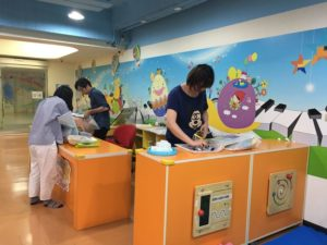 嬰幼兒物資交流中心櫃台
