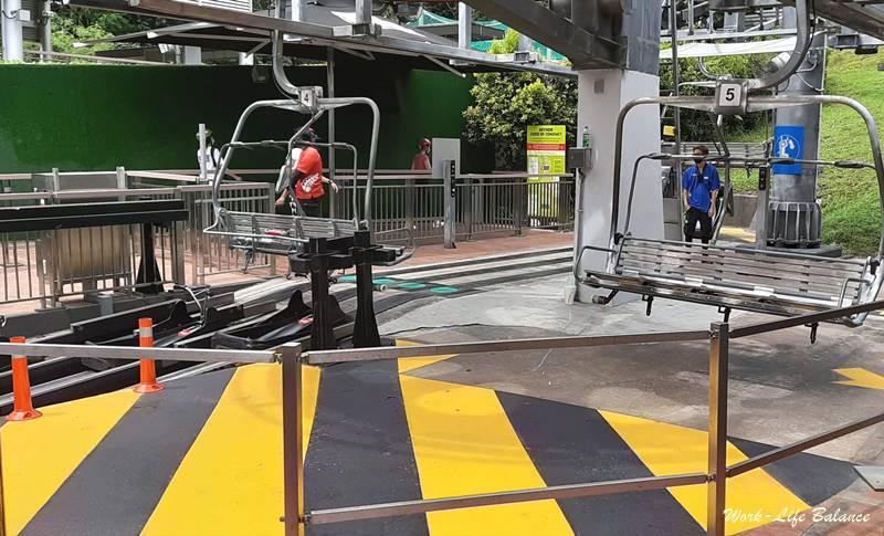 空中吊椅運送斜坡滑車